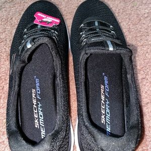 Sketchers memory foam shoes